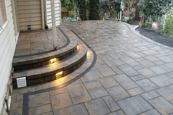 brick-patio-with-Lighted-Steps